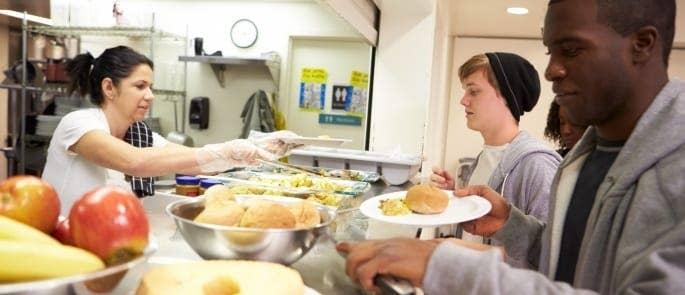 kitchen hygiene serving food