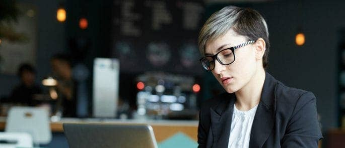 Entrepreneur using free wifi