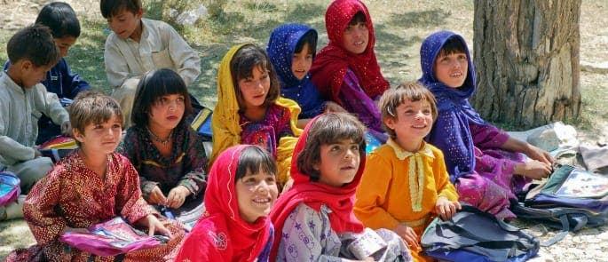 children studying literacy