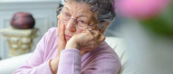 elderly woman discomfort