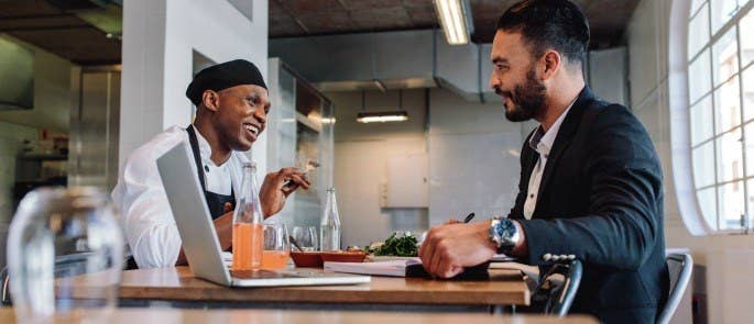 restaurant manager and chef have 1:1