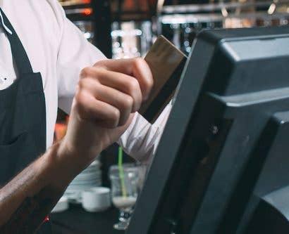 Restaurants Going Cashless